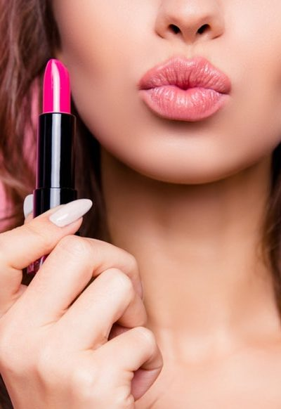 Apply Lipstick For Its Beauty and Health Benefits
