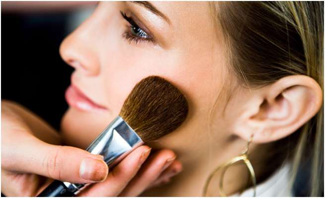 10 Makeup Mistakes That Make You Look Older